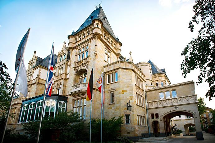 Hochzeitsfotograf-Frankfurt-Villa_Kennedy-01