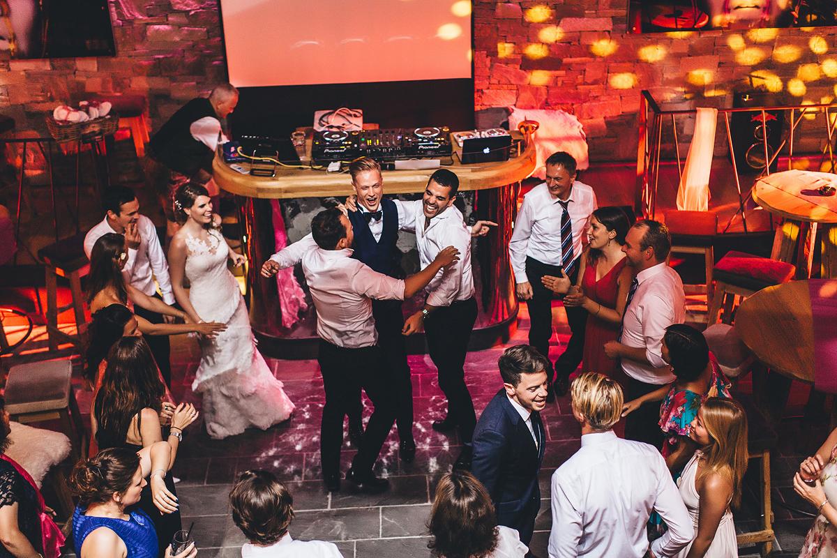 Heiraten-in-den-Bergen-Almhochzeit-Lisa-Alm-45