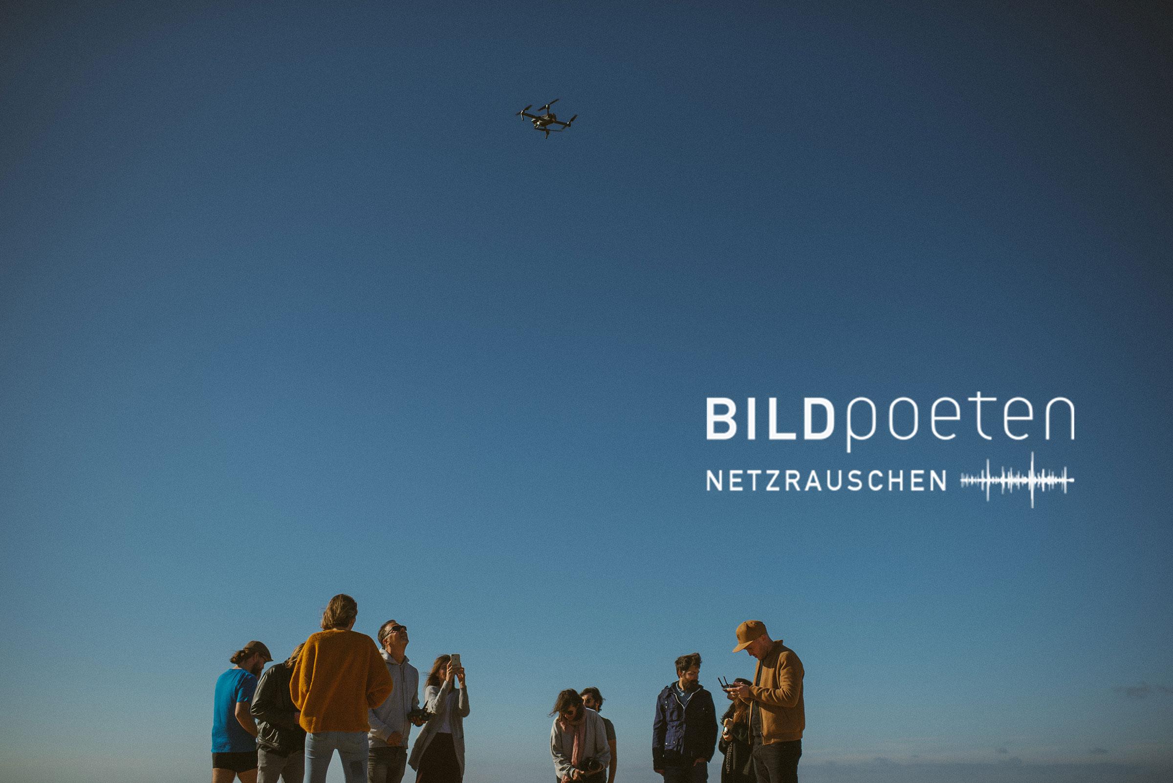 Gruppenbild der Fotografen der Bildpoeten beim Drohne fliegen lassen