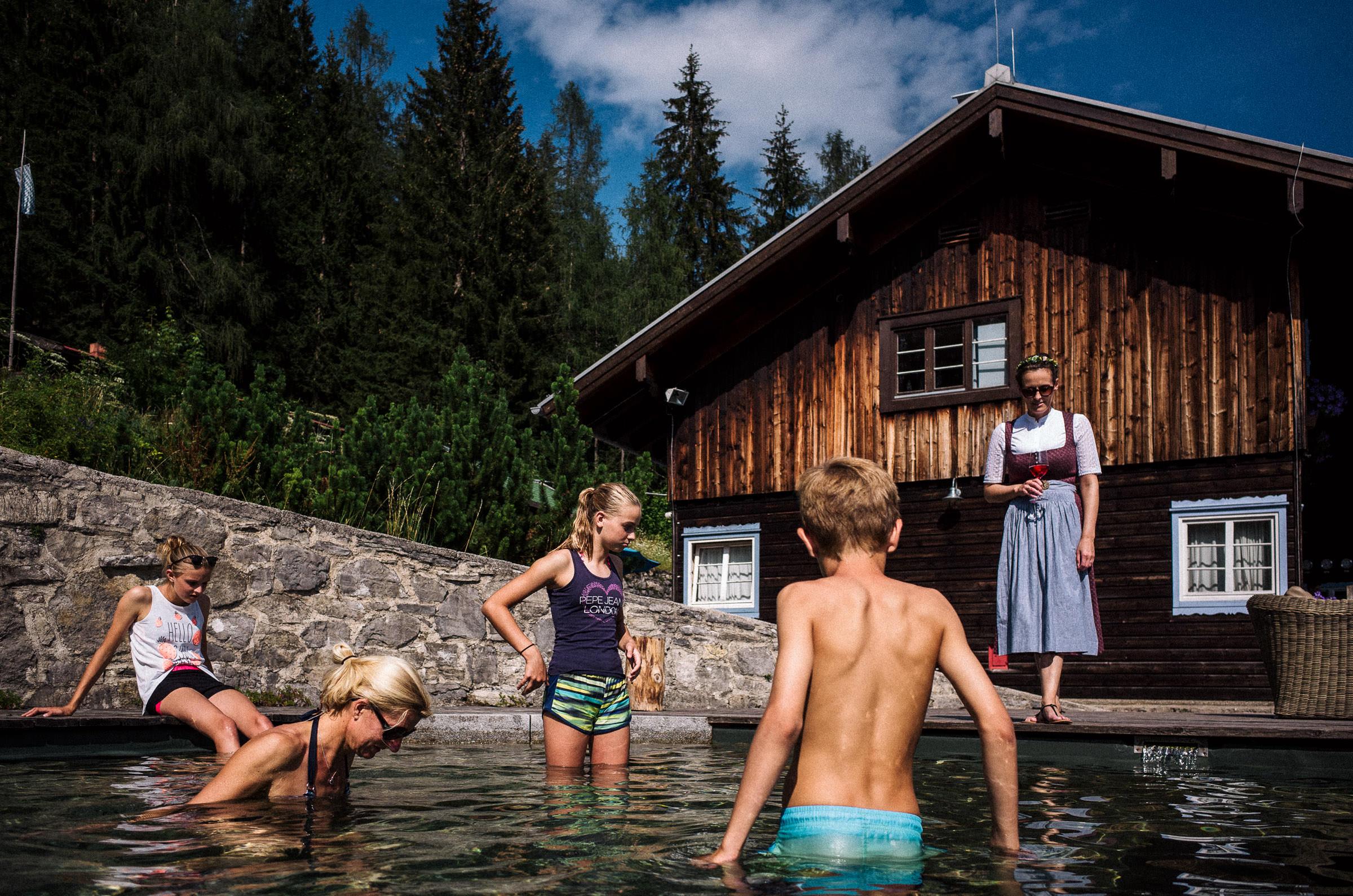 Sommerhochzeit-mit-pool