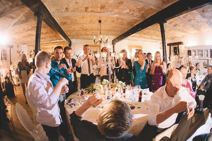 Hochzeitsfotograf-Muenchen-Hochzeit-Hofgut-Hohenstein-53